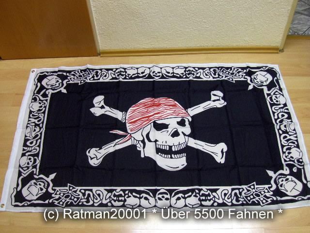 Pirat Totenkopf Köpfe with Trimming - 90 x 150 cm